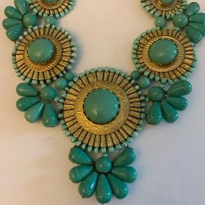 Jewelry - Green and gold necklace - show stopping piece